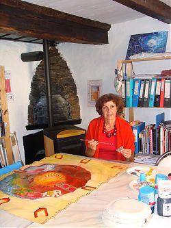Marianne Lorach dans son atelier
